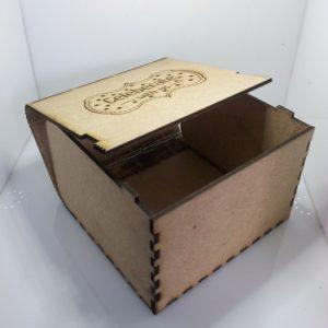 กล่องไม้ ยิงเลเซอร์ ฝาบานพับ
