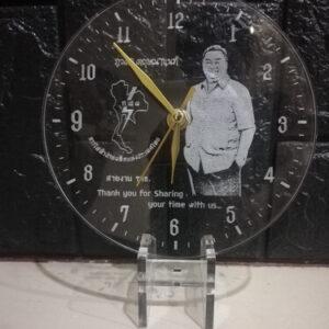 clock-laser-acrylic-front-sid
