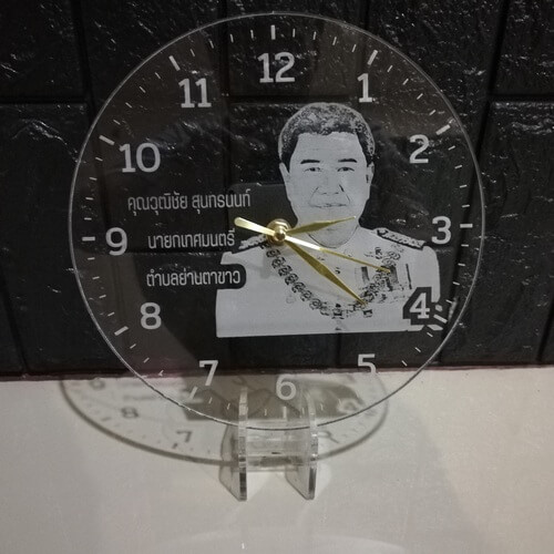 clock-laser-acrylic-person